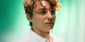 "Elliot Moss unveils new single ""I Heard!"" with impressive cinematic video"