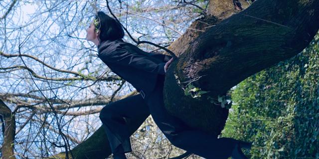 "Alexandrina shares mesmerzing new single ""Vânt În Pânze"""