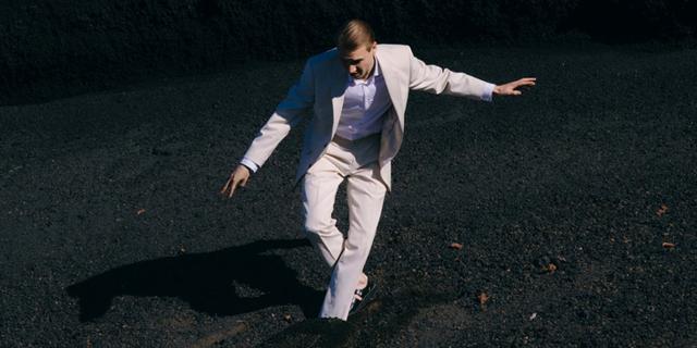 """Luis Ake announces sophomore album """"Ein Schöner Traum"""" and shares new single """"Liebe"""""""